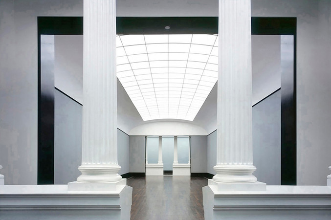 Reinhard Görner | Hall with Collumns