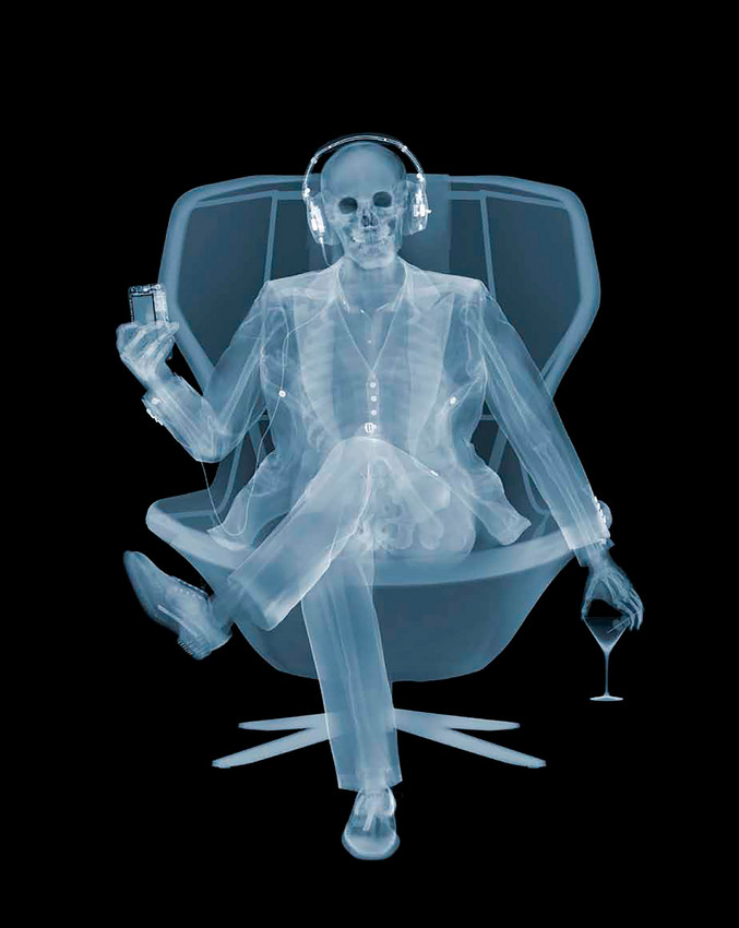 Nick Veasey | Easy Listener