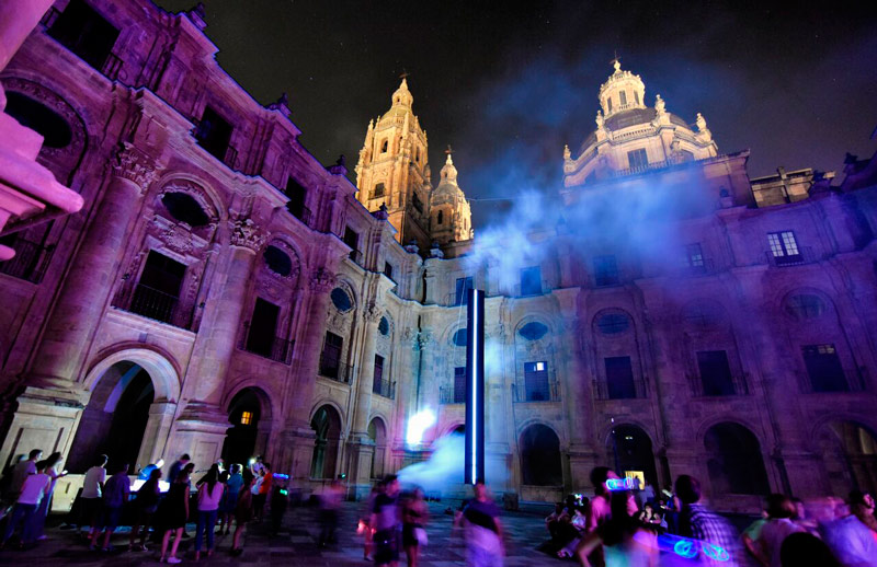 LIGHTS, FLASHES AND ACTION IN THE HEART OF SALAMANCA | Feria